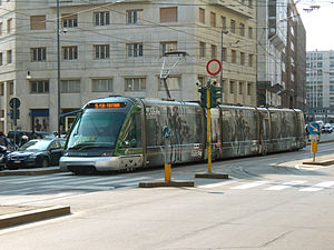 Eurotram - Image: Milano tram via Larga
