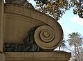 Monument al Doctor Moliner de València, voluta.JPG
