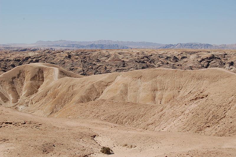 File:Moonlandscape, Namibia (3077406131).jpg
