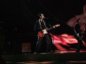 Mor ve Ötesi - Mor ve Ötesi performing at Eurovision Song Contest 2008