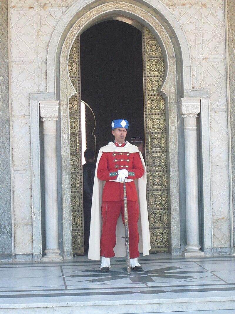 الحرس الملكي المغربي ......Garde royale marocaine 800px-Moroccan_Royal_Guard