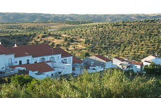 Moura, Portugal - Image: Moura houses and Alentejo landscape