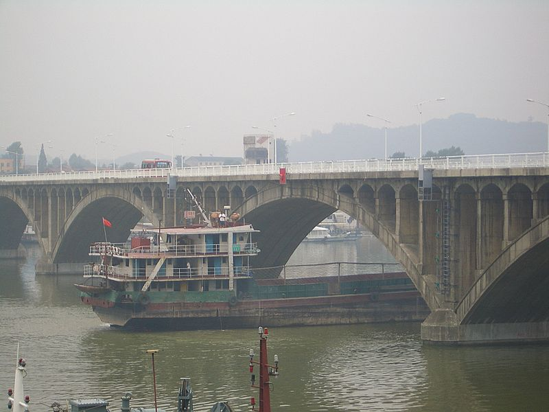Mouth-of-Huangbo-boats-4804.jpg