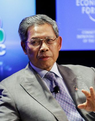 Minister in the Prime Minister's Department - Image: Mustapa Mohamed in CNBC supply chains World Economic Forum on East Asia 2012 crop