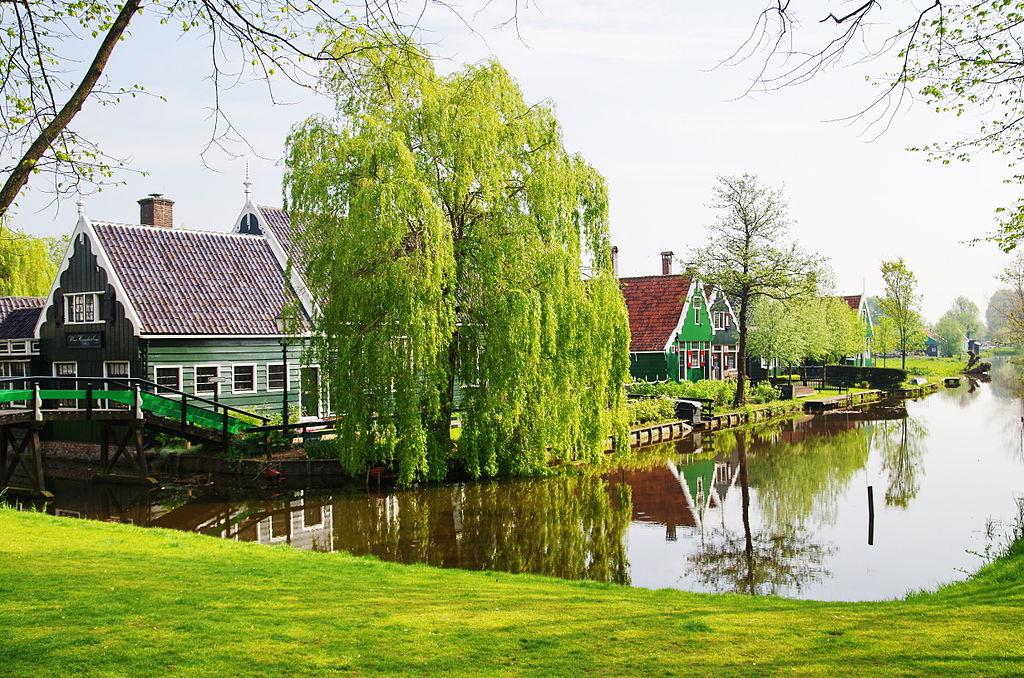 Maisons traditionnelles de Zaanse Schans au nord d'Amsterdam.