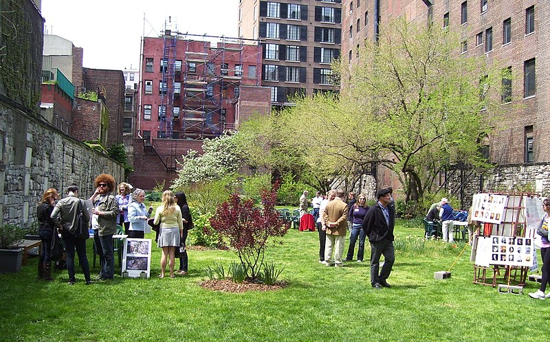 File:NY Marble Cemetery Open House 3.jpg