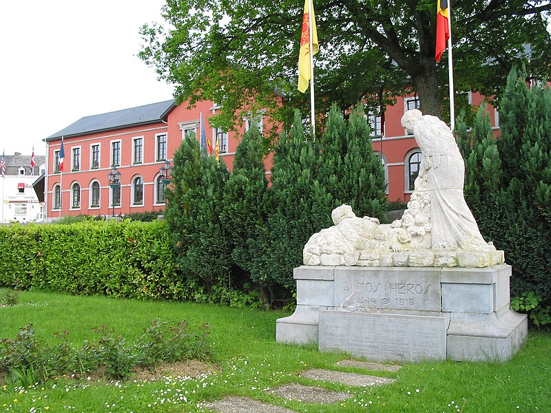 Nassogne  (Belgium), memorial dedicated to the heroes of the first world war and the town hall.