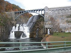 New Croton Dam from below.jpg