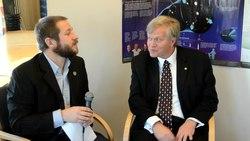 Fil:Nobel-interviews 2011.ogv