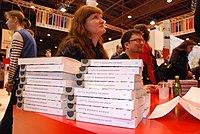 Nordiske forfattere signerer verkene sine i den nordiske paviljongen pa den franske bokmessen.jpg