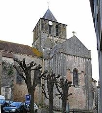Notre Dame et Saint-Junien de Lusignan.jpg