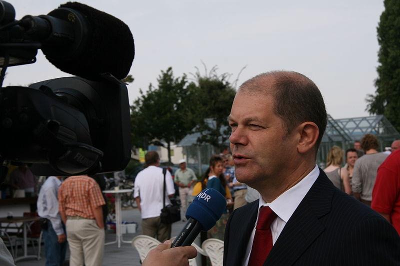 File:Olaf Scholz, August 2009-1 - by SPD-Schleswig-Holstein.jpg