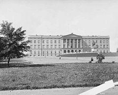 Oslo Royal Palace 1890.jpg