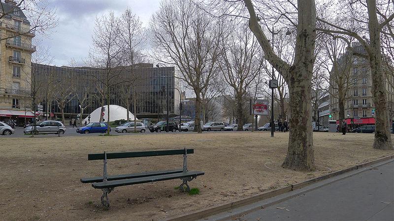 Fichier:P1150826 Paris XIX place du Colonel-Fabien rwk.jpg