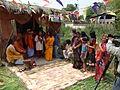 Pandit Baul Samrat Purna das Baul při návštěvě Papii baulského ašrámu na den Holi, festivalu barev a lásky.JPG
