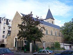 Paris 18r Église Ste Genviève-des-Carrières.JPG