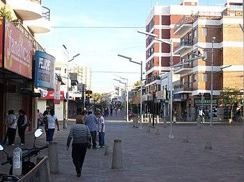 Peatonal Florencio Varela 1