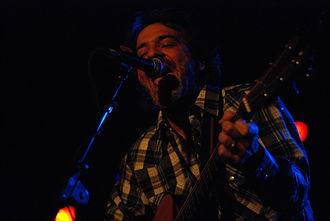 Joe Pernice - Joe Pernice playing with the Pernice Brothers, 2006