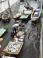 Pescadores no porto diante do Mercado Municipal-Manaus 16-04-2015.JPG