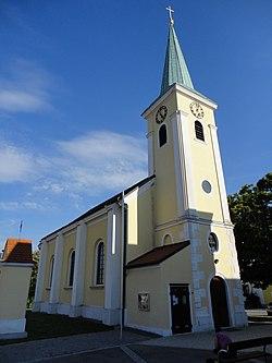 Pfarrkirche Berg Westansicht.JPG