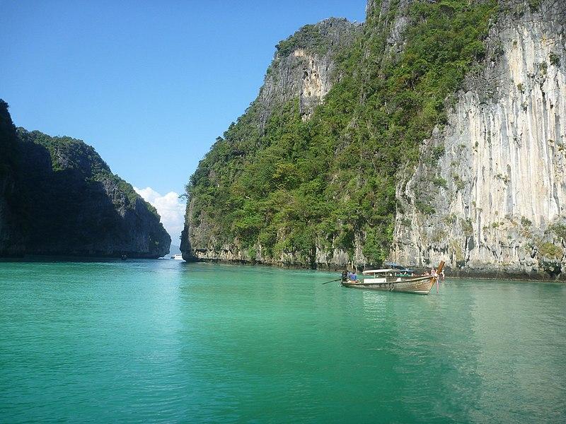 File:Phi Phi Island Tour (4297215540).jpg