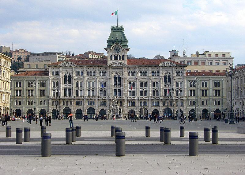 Súbor:Piazza Unita.jpg