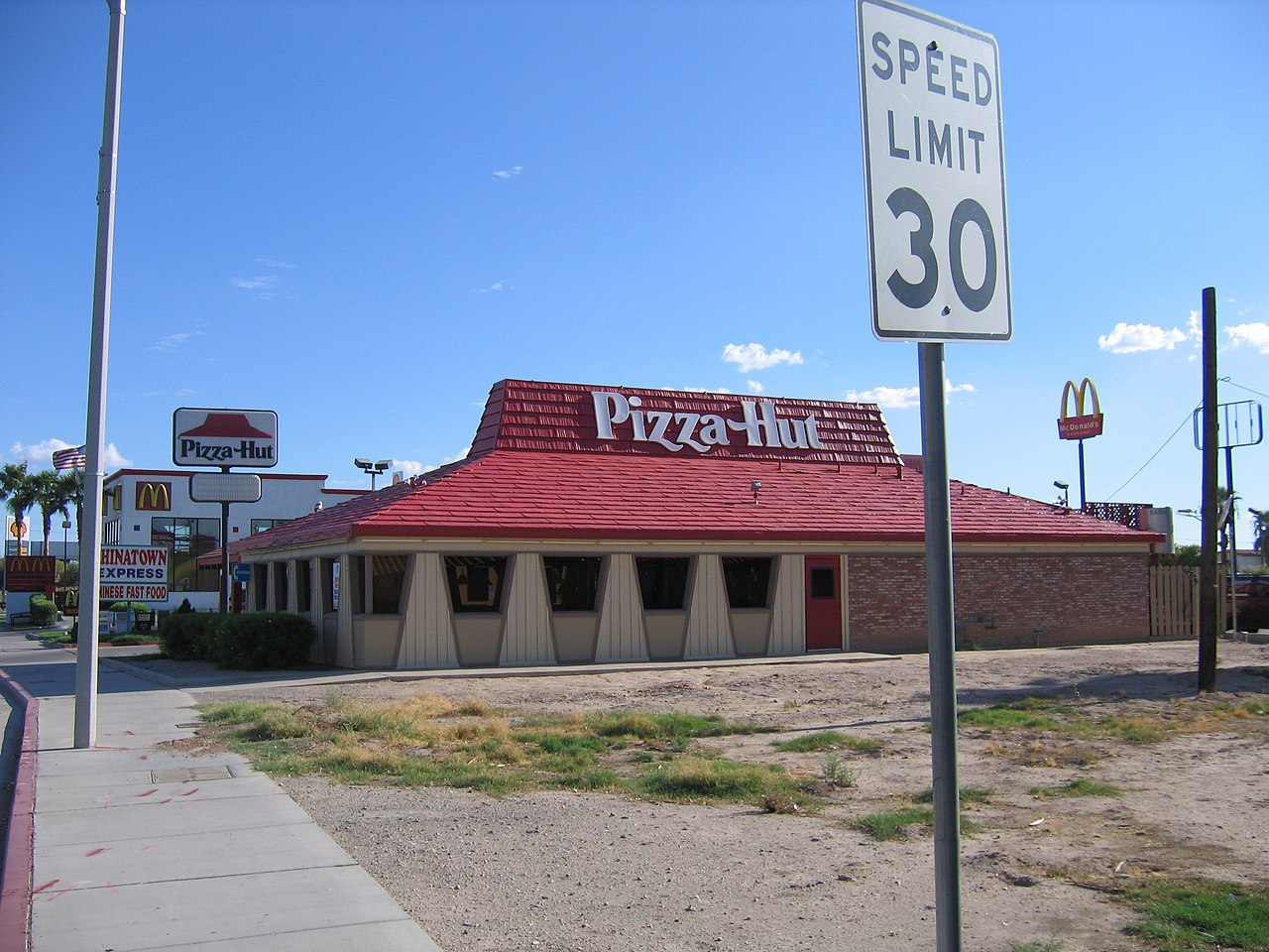history of pizza hut Records of people adding other ingredients to bread to make it more flavorful can be found throughout ancient history pizza chains such as domino's, pizza hut.