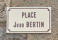 Place Jean Bertin (panneau de rue) à Druyes.jpg