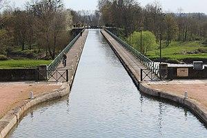 Pont-canal Digoin 2.jpg