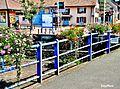 Pont fleuri sur le ruisseau la Madeleine.jpg