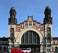 Prag Prague Hauptbahnhof Eingang (2005).JPG