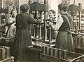 Produktion von Feldpatronen bei WMF 1914-18.jpg