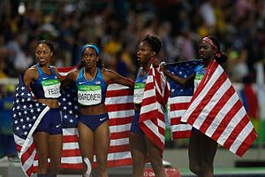 Athletics at the 2016 Summer Olympics – Women's 4 × 100 metres relay - Image: Provas de Atletismo nas Olimpíadas Rio 2016 (29004556542)