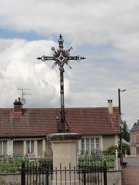 Quierzy (Aisne) croix de chemin