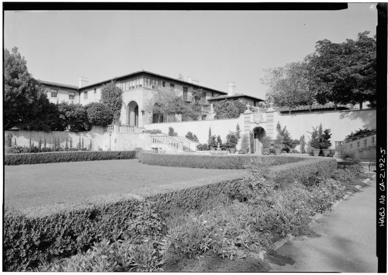 REAR CORNER - Harold Lloyd Estate, Beverly Hills, Los Angeles County, CA HABS CAL,19-BEVHI,2-5