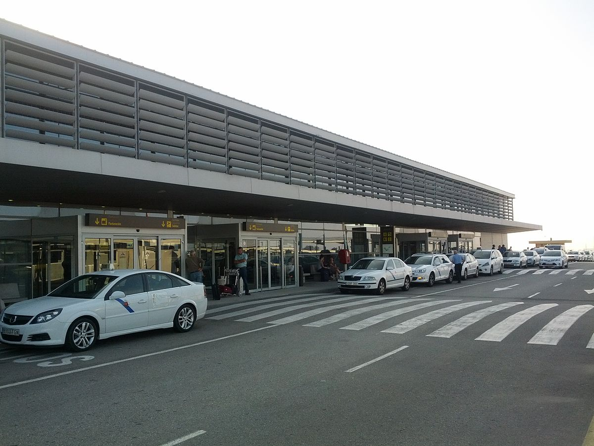 Reus Airport - Wikipedia