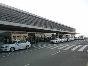Reus Airport - Image: REU exterior