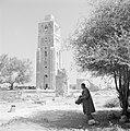 Ramle Ruines van de Witte Moskee met zicht op de Witte Toren die gotische kenme, Bestanddeelnr 255-3858.jpg