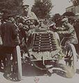 René de Knyff vainqueur du Tour de France 1899 (à sa droite Pinson).jpg