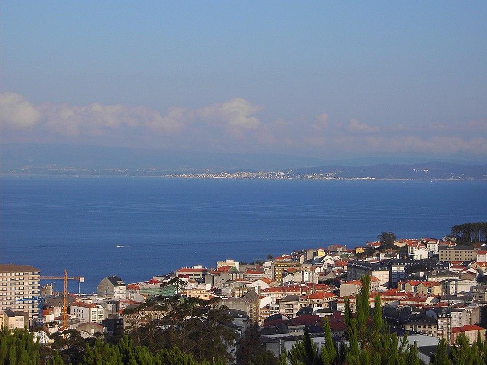 Vista de Ribeira dende San Roque (monte periurbano)