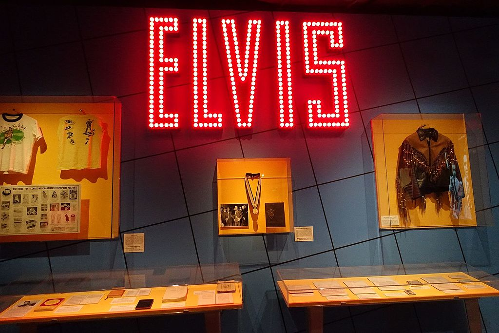 Rock and Roll Hall of Fame -Elvis Presley