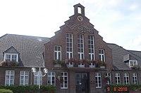 Roeulx - Mairie.JPG