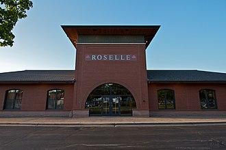 Roselle station - Image: Roselle Metra Station front