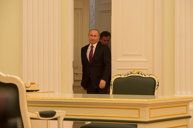 Russian President Putin Arrives for His Bilateral Meeting With Secretary Kerry in Moscow (25407409603).jpg