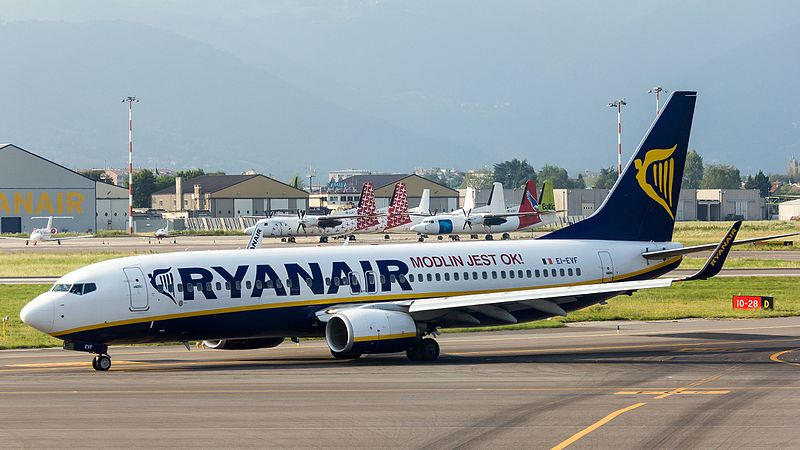 File:Ryanair - Boeing 737-800 - EI-EVF - Orio al Serio International Airport-7899.jpg