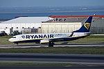 Ryanair Boeing 737-800 EI-FIT (40888131405).jpg