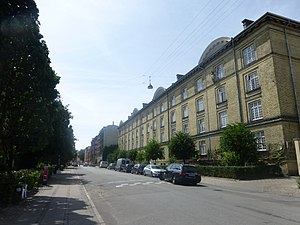 Ryesgade - Ryesgade at the Nørre Søpark estate, looking south