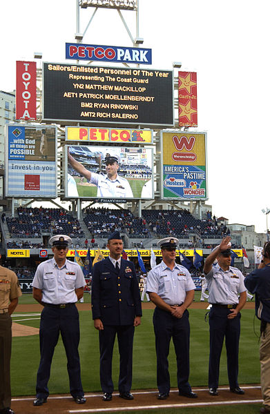 File:SAN DIEGO PADRES MILITARY OPENING DAY DVIDS1077485.jpg