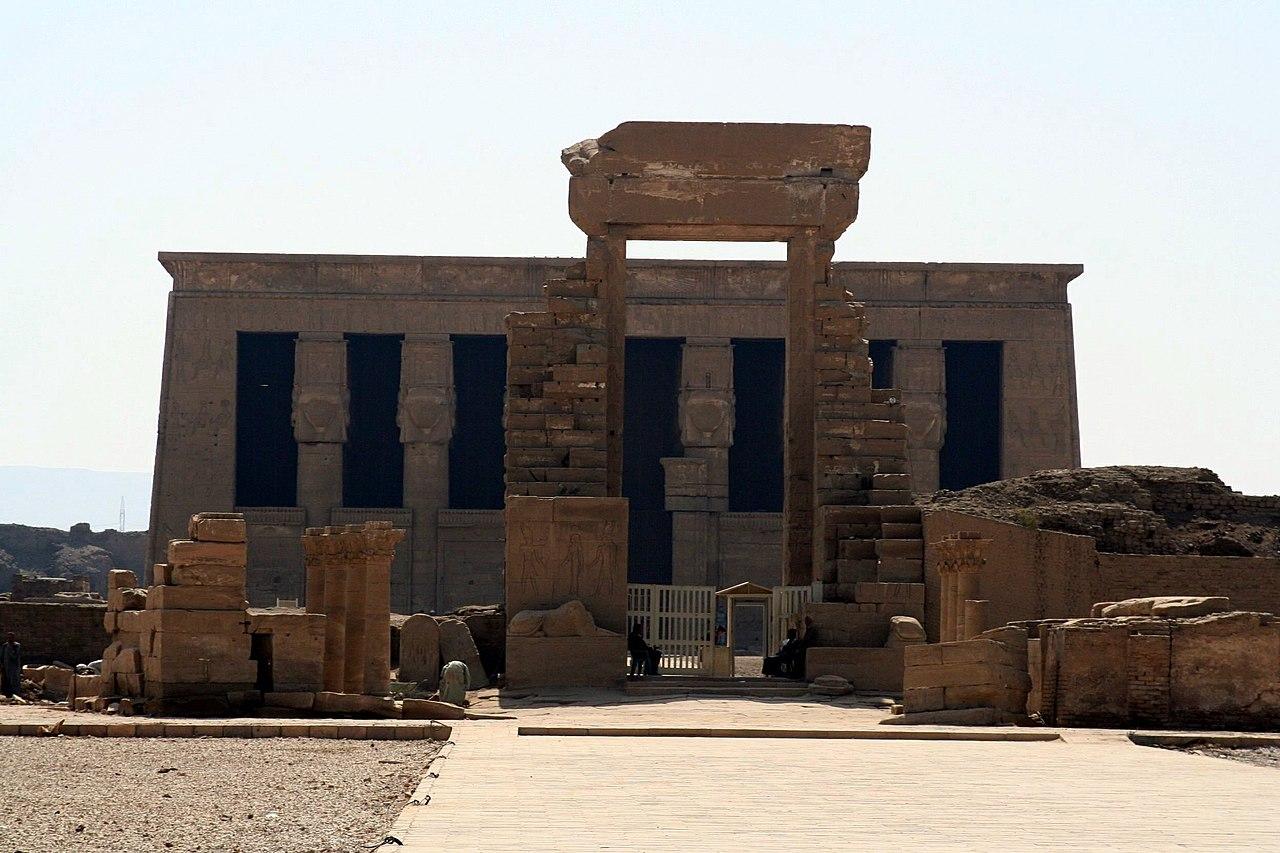 Hathor 1280px-SFEC_EGYPT_DENDERA_2006-006