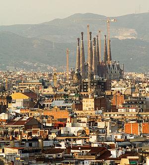 Image:Sagrada Familia Eixample from Montjuic